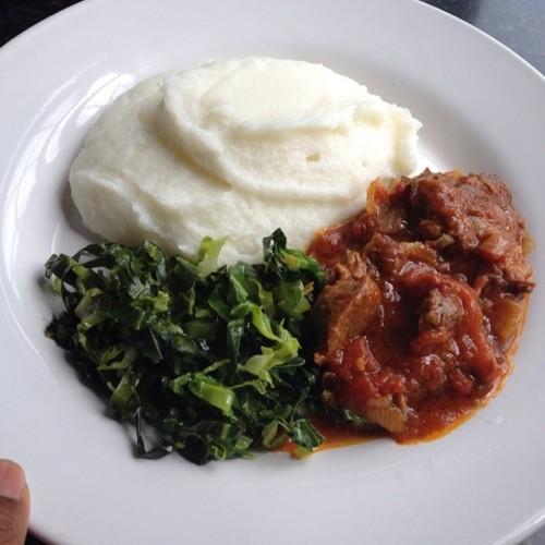 ジンバブエ 料理サザ