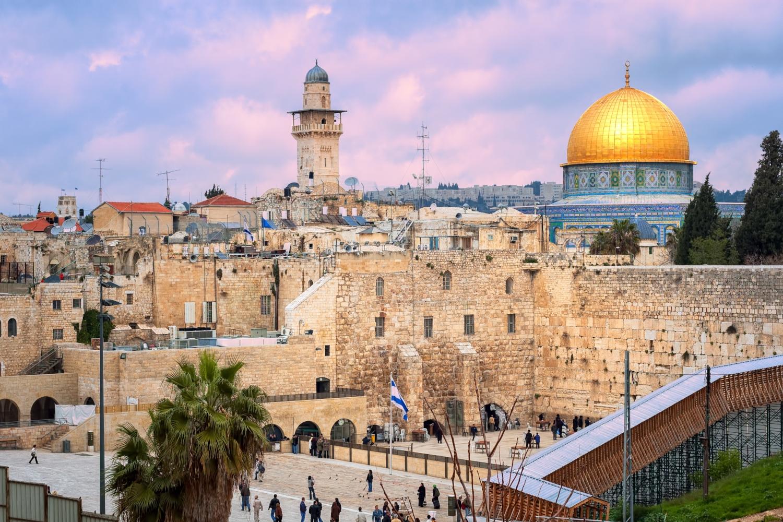「ユダヤ教、キリスト教、イスラム教の聖地であるエルサレム」(イスラエル)