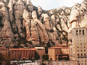 「カタルーニャの聖地・「モンセラット」」(スペイン)