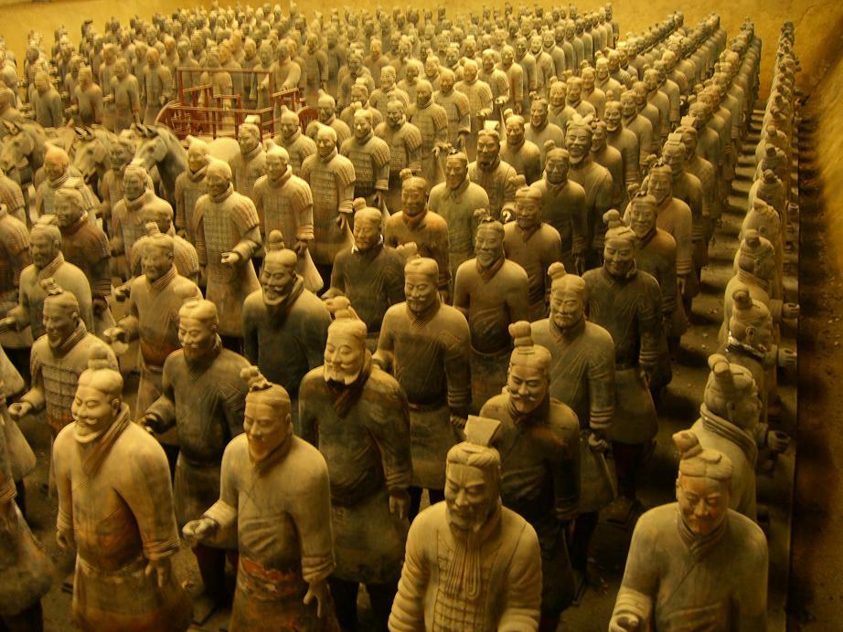 「秦の始皇帝の陵墓を守る兵馬俑」(中国)