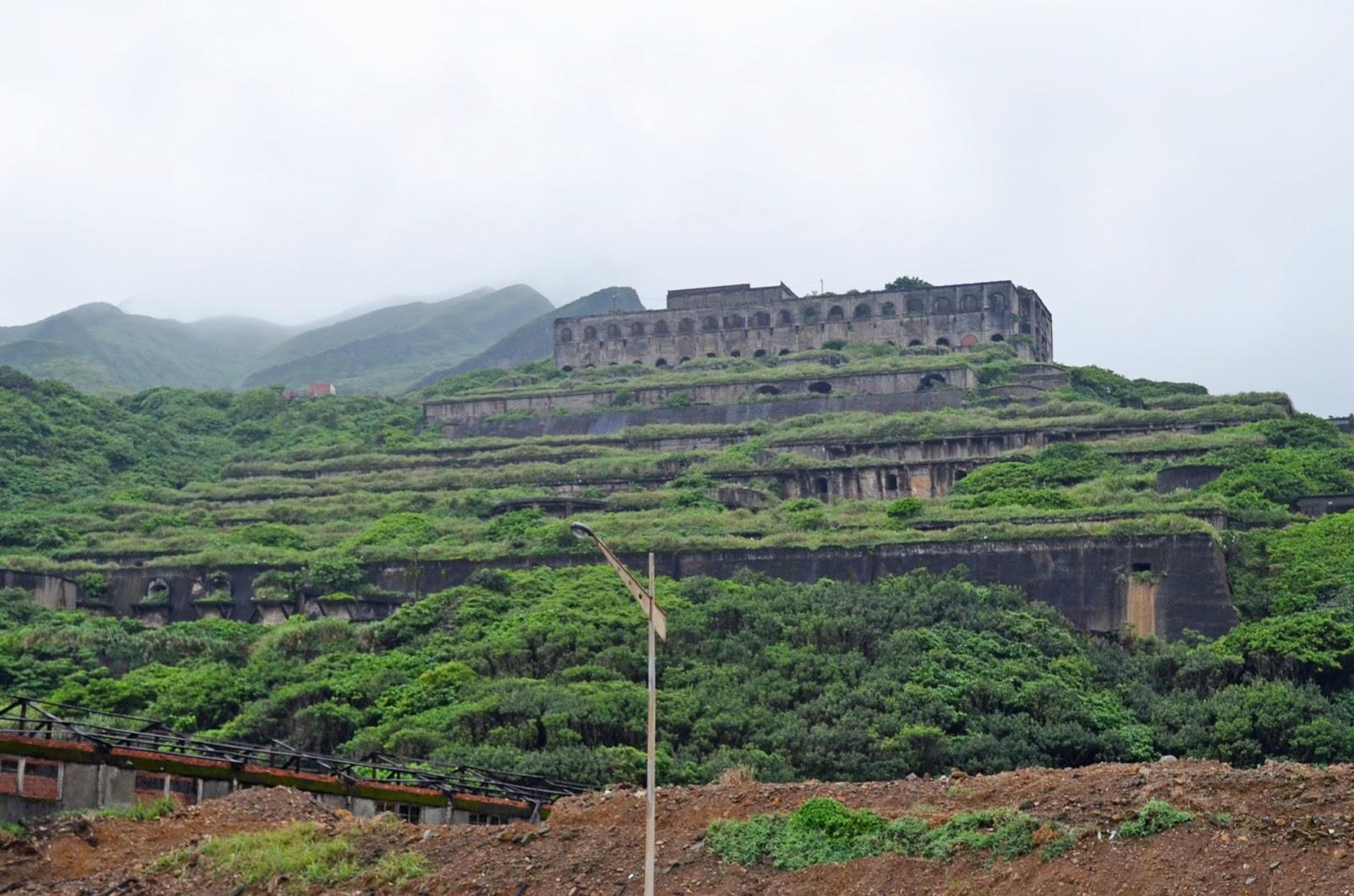 「天空の城といわれる十三層遺跡」(台湾)