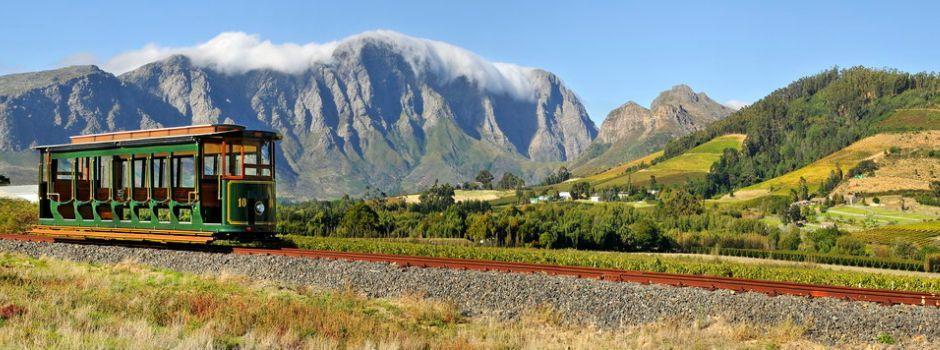 南アフリカでワインとグルメ・フランシュフック